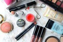 Lipstick / Everything from lipstick to lipgloss,a girls best friend inspiration!