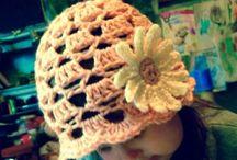 Crochet Baby Hats / Keep those bald baby heads warm!