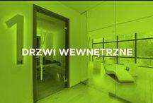 Drzwi wewnętrzne / Szklane drzwi wewnętrzne łączą minimalizm formy z wyjątkową funkcjonalnością. Uwalniają przestrzeń, pozwalają przemycać światło i uzupełniają elegancki charakter wnętrza. Wraz z zabudową szklaną mogą pełnić domowego wiatrołapu.
