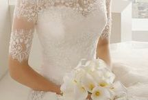 Dream Wedding Dresses / Beautiful, romantic wedding dresses- for inspiration and general swooning purposes:)