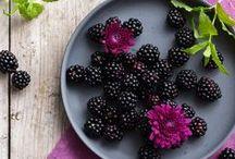 Bramen / Bramen zijn heerlijk zoete en gezonde vruchten. Je kunt ze zo uit de hand eten of verwerken in een salade met ander fruit of gebak. Doe hier inspiratie op.