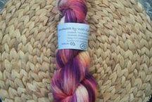 Handmade by Woll-Zombie / Handgefärbte Wolle, handgefertige Maschenmarkierer und mehr.