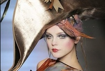 JOHN GALLIANO / https://www.facebook.com/QueridasFashionistas
