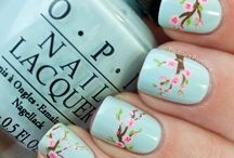 Nail Art: Spring / Lovely Nail Art Ideas for in spring! Loving the bright colors and flower designs this season brings.