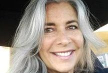 Going Gray Gracefully / Embrace your gray/silver/white hair because it's beautiful!