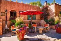 Outdoor Living Spaces in Santa Fe / Fabulous Outdoor Living Spaces in Santa Fe.