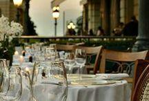 C'EST MA robe à un dîner. / Préparatifs. Passez une belle soirée. #cestmarobe #locationrobe #luxe #rentdress