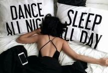 C'EST MA robe pour danser / Dansez jusqu'au bout de la nuit. #cestmarobe #louerrobe #dressesforhire