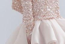 C'EST MA wedding guest inspo / Inspiration. Tenues d'invitée à un mariage. Wedding guest dresses.