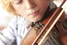 How To's / Amazing and simple strategies for learning how to play the violin. Discover how to enhance your quality of sound and improve your overall violin performance.