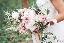 Trouwboeket // Wedding Bouquet / Laat je in dit board inspireren met de mooiste bloemenboeketten voor je grote dag! Modern, Greenery, Rustic bouquet en nog veel meer!