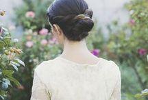 Bruidskapsels // Bridal Hair / Laat je in dit board inspireren met de mooiste kapsels voor de bruid! Vlechten, updos, half up half down haar enz.