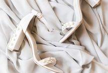 Bruiloftschoenen // Weddingshoes / Het is bijna je bruiloft en je zoekt het perfecte paar schoenen voor onder je weddingdress, in dit board genoeg inspiratie met de mooiste weddingheels!