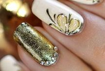 goldish nails