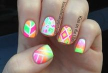 neon / multi color nails