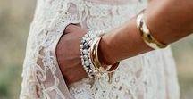 Bohemian trouwjurk // Bohemian weddingdress / Een bohemian trouwjurk past perfect bij een bohemian bruiloft! Wij zijn dol op deze stijl en hebben dan ook alvast wat pareltjes uit de nieuwste bruidsjurken collecties voor je op een rij gezet! Bekijk al onze favoriete bohemian weddingdresses en get inspired!