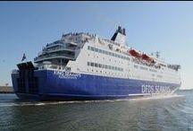 DFDS - onze schepen / Samen met KING Seaways vaart PRINCESS sinds 2006 dagelijks tussen IJmuiden en Newcastle upon Tyne. Op de routes tussen Duinkerken / Calais en Dover vaart DFDS momenteel met 5 schepen, waarmee we tot 54 overtochten per dag maken!