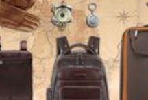 Traveling / Il  Trolley Piquadro Voyager marrone-arancio Piccolo con porta abiti BV1381TR/MA è il frutto di eleganza e design, originale oggetto di altissima qualità realizzato con materiali di grande pregio che garantiscono prestazioni elevatissime