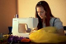 """Wonderland /      """"Scrollati pianta, stammi a sentire,     d'oro e d'argento mi devi coprire!""""      - Fratelli Grimm -  A Serena non serve un incantesimo per partecipare al gran ballo, le basta il suo talento unito alla sua fantasia per creare l'abito perfetto.  È lei la vera magia. La sua capacità di modellare tessuti, cere e colori.  read more... http://lightson-campia.blogspot.it/2012/08/wonderland.html"""