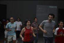 """Visita guiada corriendo / Realización de una visita guiada """"a la carrera"""" a las exposiciones temporales del museo Artium."""