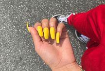 /nails\
