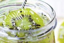Trop mimi le kiwi ! / Coloré et un peu acidulé, le kiwi nous fait craquer ! Voici tout plein de recettes qui risquent de vous inspirer pour le cuisiner avec Fourchette & Bikini.