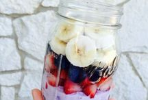 Smoothies and healthy food