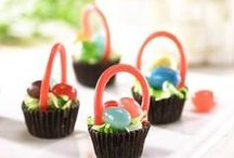 Easter / Candy recipes, crafts and decorations for a sweet Easter holiday.