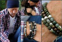 AziBi Mannen armbanden / Deze armbanden zijn gemaakt voor echte mannen die houden van mooi én stoer. Het ultieme geschenk voor die mooie man in jouw leven die stevig in de wereld staat.  Deze armbanden zijn gemaakt van verschillende edelstenen die ieder hun eigen symboliek hebben.