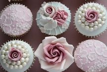 Cupcakes / by BeautifulBlueBrides