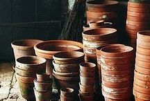ruukut & maljakot yms. • pots & vases etc.