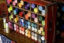 DIY-Arts 'n' Crafts / by Roxanne Buchanan