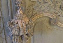PASSEMENTERIE/BRODERIE/embroidery / La passementerie, un merveilleux savoir faire, galons, pompons et autres créations superbes, coup de projecteur sur le 18 eme siècle