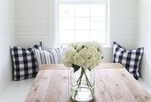 HAMPTONS / Casual, relaxed beach living, but classic and sophisticated. Bright, airy and a lot of natural daylight.