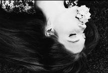 Black & white / Retro photographs full of fashion and emotions