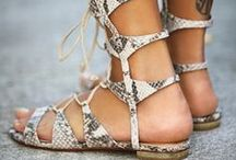 Chic sandals to make / So many of the chic sandals you can easily learn to make yourself. https://handsonduty.wordpress.com/2016/04/07/making-gladiator-sandals-weekend-course-in-budapest/