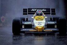 formula 1 / campeonato do mundo de pilotos e construtores / by joao marques