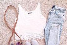 O u t f i t . F l a t . L a y / Outfit Inspiration