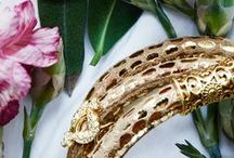 Metallic and Golden Reptile leather bracelets / We offer a large selection of leather bracelets:  More than 50 colours, various leather types and 8 different sterling silver magnetic locks - including a range of Golden Reptile leather bracelets.  We make all leather bracelets in house and therefore we can customize it, just the way you want it.   Check out the leather bracelet collection and the Golden Reptile leather bracelets online here: http://svane-luhrs.com/products/Bracelets/194E0?showall=1  Worldwide shipping € 5 with in 1-2 days!