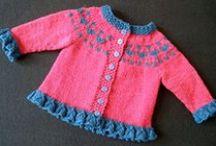 Tejiendo para los peques / Manualidades para las abuelas, tías...: juguetes divertidos y ropa muy sencilla para tejer!