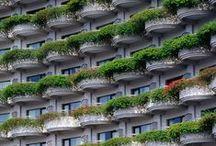 VertiCal GarDens. / Alijardín ofrece servicios de diseño,  instalación y mantenimiento de jardines verticales. Los sistemas aquí descritos pueden instalarse en diferentes climas y situaciones, creando multitud de superficies verdes. grises y especies vegetales que optimizan la captación de contaminantes del aire. www.alijardin.es