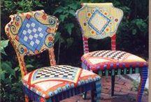 beschilderde stoelen / painted chairs