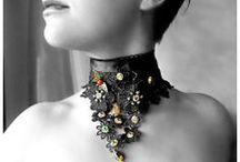"""Produzione de """"La Venexiana Gioielli d'Arte"""" anno 2013 / Laboratorio artistico, realizzazione bijoux pietre dure, scelte in base alle proprietà cristalloterapiche dei queste."""