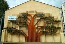 VertiCal GarDen, Vitoria-Gasteiz, Spain. / Este jardin vertical tiene una serie de particularidades que lo hacen único en el mundo y es que ha sido creado para cumplir la función de un árbol ejemplar que desdibuje la pared del edificio. Toda la estructura del jardín vertical sirve a su vez como pasante para las conducciones de riego y drenaje.