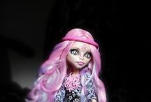 Monster High Viperine's Mount Olympus / by Andrea Reed