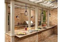 Outdoor Kitchens / Outdoor kitchen decor and design inspiration