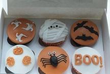 Halloween / Halloween Cupcakes by www.chippingnortonteaset.co.uk