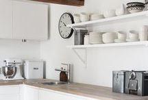 k i t c h e n / Retro Kitchen Inspiration: vintage looking appliances & pastel colours
