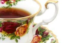 Old Country Roses by Royal Albert / Classic + Charming / by Bethany Curran