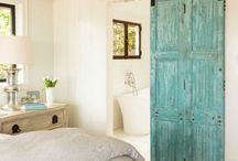 BARN DOORS / I LOVE barn doors! One of my next home projects for sure!